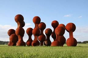 MARK BORGHI FINE ART presents cocktails and sculpture Garden Tour