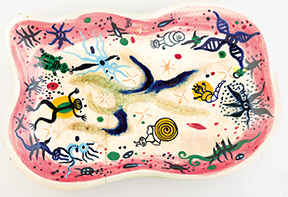 Julio de Diego, River Patterns (platter), 1950. Stoneware, glazed, 2 1/4 × 19 1/4 × 12 1/4 inches. Stonelain, Associated American Artists, private collection.