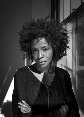 Lorna Simpson Photo: James Wang © Lorna Simpson/ Courtesy the artist and Hauser & Wirth